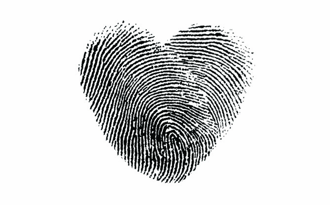 heart-thumbprint-flag