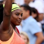 Serena Williams chases man after phone 'grabbed' in restaurant